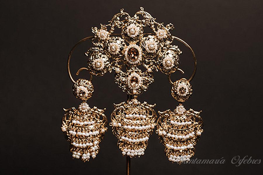 Aderezo Balcón Angels, montado en Topaz y perlas cultivadas.